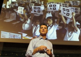 Microsoft vice president of education, Anthony Salcito (image: PhotonQuantique)