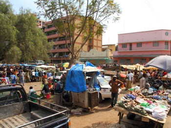 An open air market in Arusha, Tanzania. Smile Communications this week launched a 4G network service. (Image source: Black Sheep Media/ Shutterstock.com)