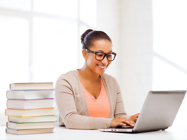 iLearn will be offering the first MICT SETA-approved blended learning Learnership this year. (Image source: Shutterstock.com)