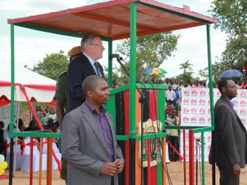 Vice President Dr Guy Scott at Matanda in Luapula Province (image: Huawei)