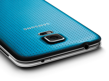 Samsung made their Galaxy S5 smartphone available to the world today (image: Samsung)
