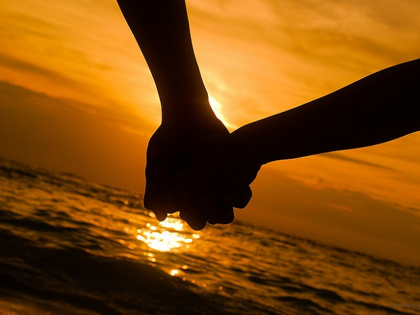 holding-hands-dating-free-amateur-beach-sex