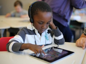 5 tips for choosing the right digital device for the classroom