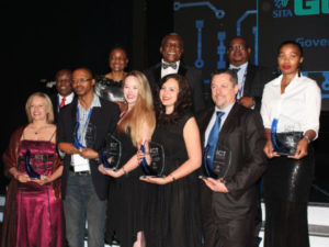 Winners of the 2015 Public Service ICT Awards with the Minister of Telecommunications and Postal Services, Dr Siyabonga Cwele and the Deputy Minister of Telecommunications and Postal Services, Prof. Hlengiwe Mkhize.