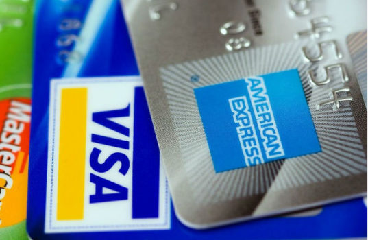 The agreement between Societe Generale and American Express involves both online sales and POS payments through electronic payment terminals.