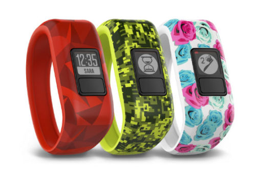 Thw Garmin vivo.jr is swim friendly and encourages kids to stay on the move.
