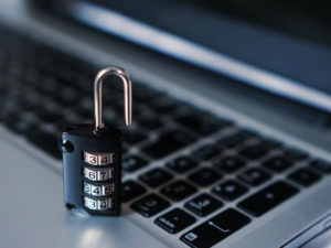 Internet users continue with bad password habits which leave them vulnerable to being hacked.