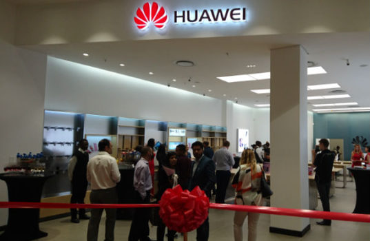 The New Huawei Retail Experience Store, Mall of Africa.