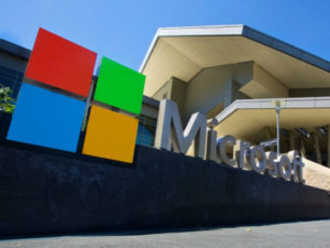 Microsoft aims to entice customers to the cloud with Office changes