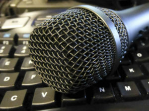 10 tech podcasts to start listening to right now