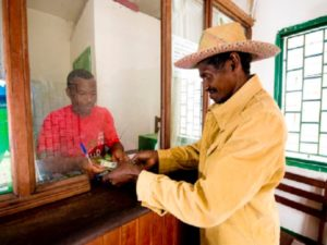 According to De Vasconcelos, the strong presence of post offices in remote and rural areas is extremely valuable.