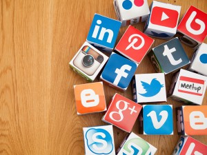 5 ways to use social media for professional networking.