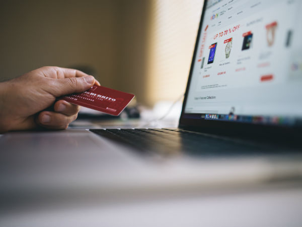Stop fraudsters from controlling your Online Banking this festive season