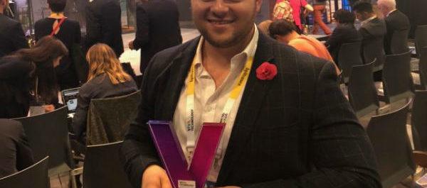 Courtney Bentley CEO Vizibiliti Insight Africa receiving Verizon Viva Tech 2018 award