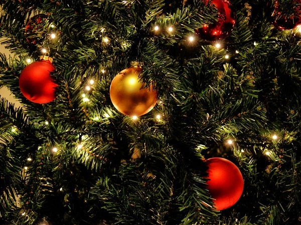 Photograph the bright lights of your city this Christmas with these tips