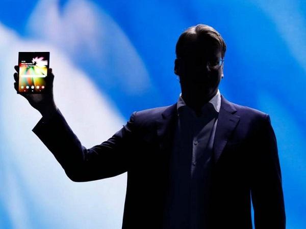 Samsung postpones release of Galaxy Fold