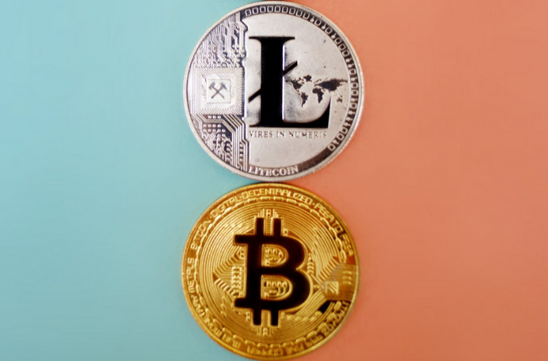 Litecoin vs Bitcoin - 5 populiariausi skirtumai (su infografika)